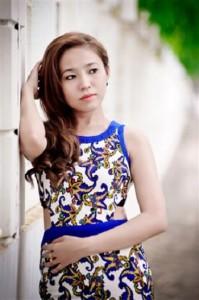 Vietnamese Girl Hong (Small)